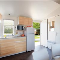 Camping  Peyrelade Gorges du Tarn : mobile-home 3 chambres cuisine